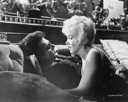 film-noir-some-like-it-hot-eroticism-via-ladiesoverfifty-blogspot